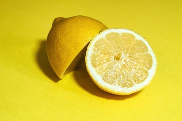 5 Manfaat Masker Lemon Bagi Kulit Wajah