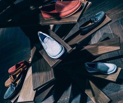 Lebih Minimalis, Yuk Intip 3 Inspirasi DIY Rak Sepatu dari Kardus yang Terjangkau